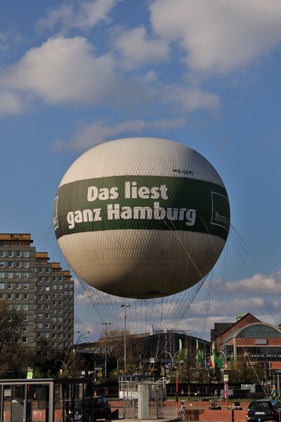 """""""Das liest ganz Hamburg"""", Foto © Friedhelm Denkeler 2011"""