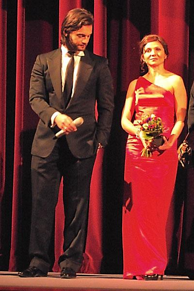 """""""Theo Alexander und Tamila Koulieva im Berlinale Palast"""", Foto © Friedhelm Denkeler 2012"""