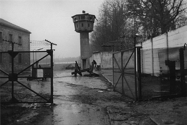 """Metamorphose"", 1990, bei Potsdam, Foto © Hildegard Ochse"