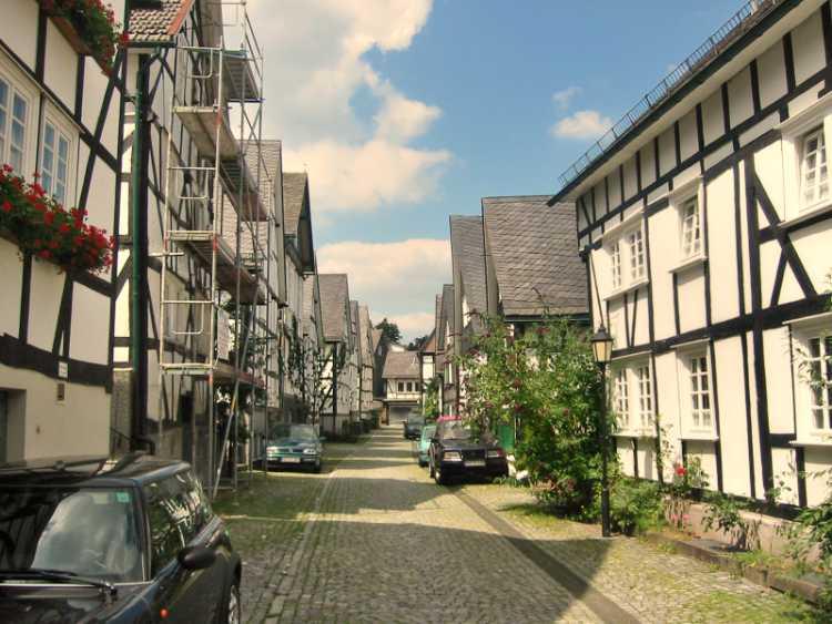 """""""Der Alte Flecken"""" (Historischer Stadtkern in Freudenberg, Siegerland), Foto © Friedhelm Denkeler 2004"""