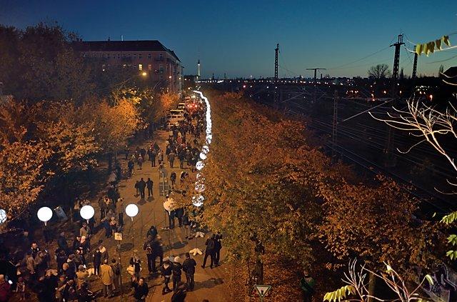 """""""Die Lichtgrenze"""" (Norweger Straße/ Ecke Bornholmer), Foto © Friedhelm Denkeler 2014"""