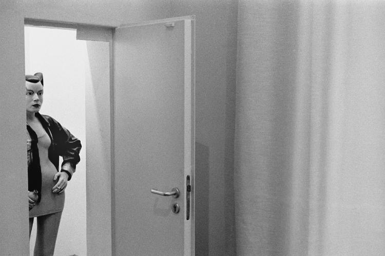"""""""Sheena, die Punkrockerin (Überraschender Besuch)"""", Martin Gropius-Bau, Foto © Friedhelm Denkeler 1987"""