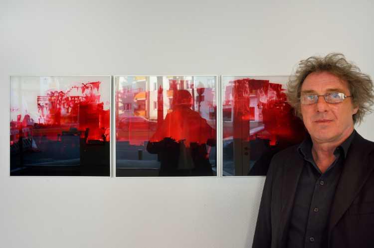 """Dieter Franke mit """"[vitrum] 014"""", 2016, Ausstellung »momenta« im Roxy-Palast Berlin-Friedenau, Foto © Friedhelm Denkeler 2018"""