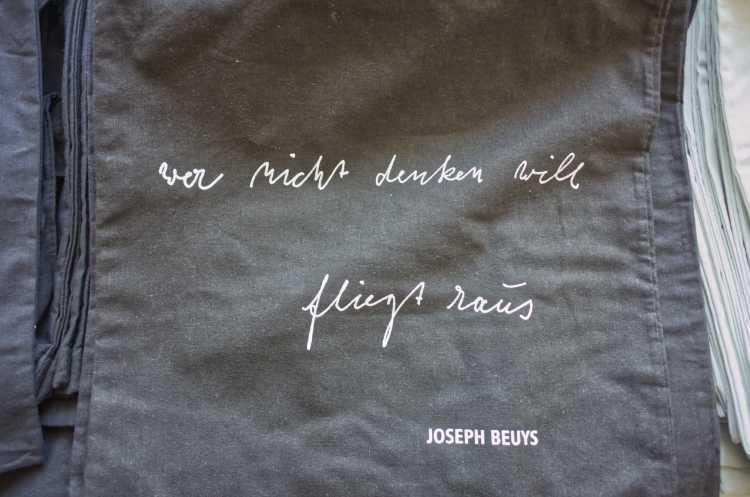 »Wer nicht denken will fliegt raus«, Joseph Beuys, Foto © Friedhelm Denkeler 2019