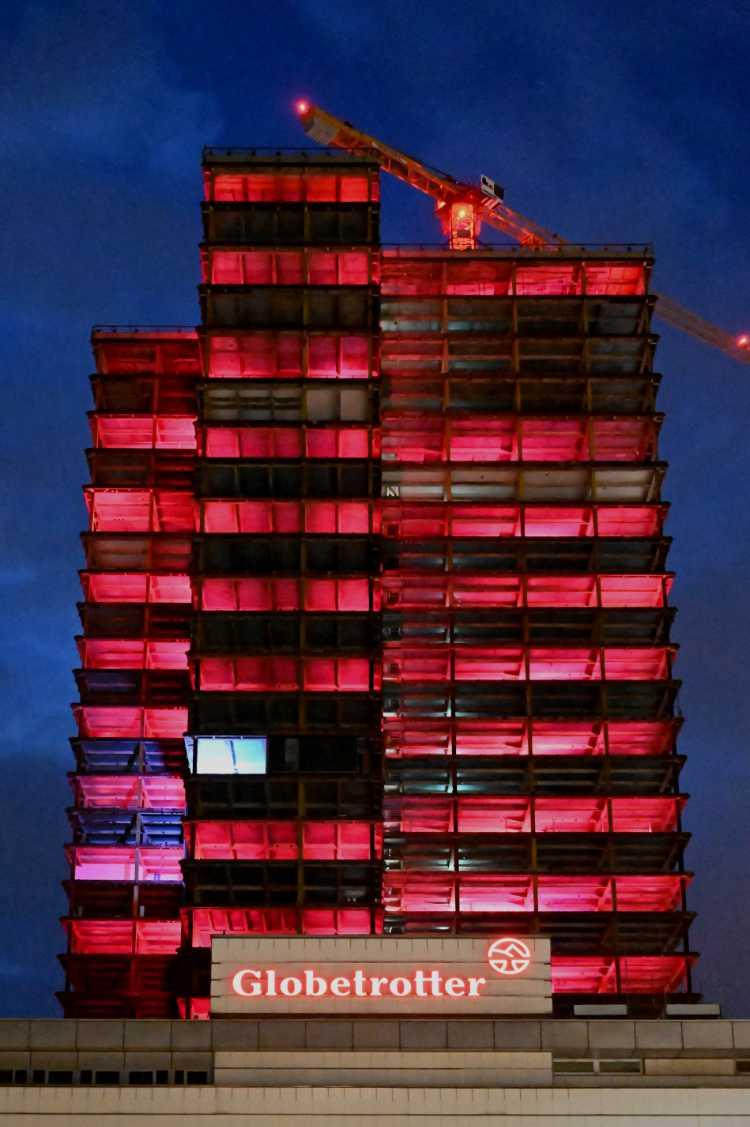 »Der Steglitzer Kreisel in rot«, Foto © Friedhelm Denkeler