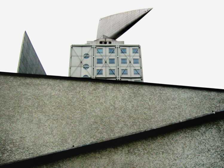 «Das Kant-Dreieck an der Kantstraße«, Berlin, West-City, Foto © Friedhelm Denkeler 2002