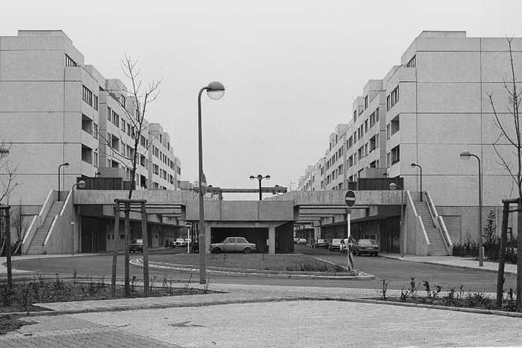 »Die High-Deck-Siedlung an der Sonnenallee«, Berlin-Neukölln, Foto © Friedhelm Denkeler 1978